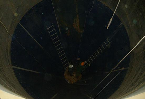 Выполнение работ по установке комплектов Tivar для футеровки круглых бункеров песка
