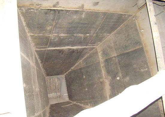 Бункер глины перед установкой футеровки Tivar BlueLine